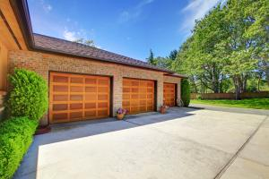 Podle čeho vybrat garážová vrata