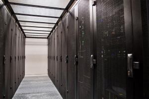 Virtuální server – všechny výhody vlastního serveru a webhostingu v jednom