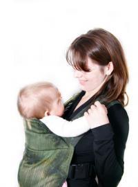 Nošení dětí v šátku: pohodlí a jistota