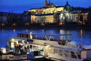 Milovníci jazzu a dobrého jídla – vzhůru na loď!