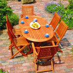 Letní posezení – jak vybrat zahradní nábytek z přírodních materiálů