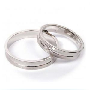 Jak vybrat správnou velikost (nejen) zásnubního prstýnku?