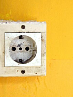 Při rekonstrukci interiéru nezapomeňte na nové rozvody elektřiny