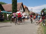 Pěšky nebo na kole, Májové putování okolím Modrých hor nabízí celodenní vyžití