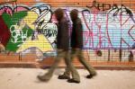 Jak vyčistit fasádu od graffiti? Snadné to není…