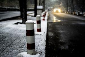Jak udržet chodník bez ledu a neuklouznout?